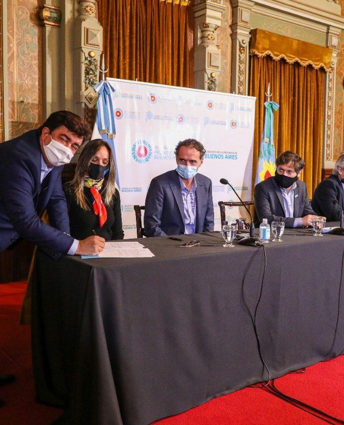 """Fernando Espinoza, en la presentación del Plan Argentina Hace: """"Estamos poniendo en marcha la Argentina de la post pandemia"""""""