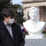 Lucas Ghi restituyó el busto de Néstor Kirchner, demolido en la gestión de Cambiemos, y emplazó también el de Raúl Alfonsín, junto a los de Eva y Juan Perón
