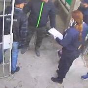 Vestidos de policías simulan un allanamiento e intentan ingresar a la casa de un hombre en Moreno