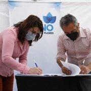 Larroque firmó un convenio con Mariel Fernández para mejoramientos en viviendas por 250 millones de pesos