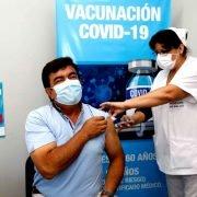 Fernando Espinoza se vacunó contra el Covid en el Hospital Teresa Germani: «Quiero transmitir el orgullo inmenso que siento por tener este personal de salud» dijo el intendente matancero