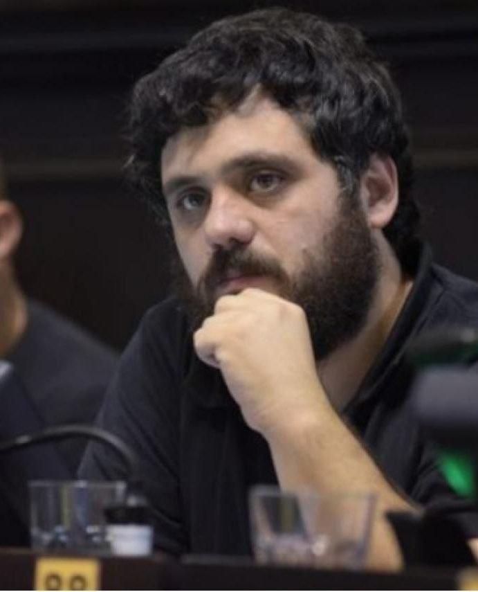 Facundo Tignanelli dijo que muchos peronistas en la Provincia desean que Máximo Kirchner «se haga cargo» de la conducción del PJ Bonaerense
