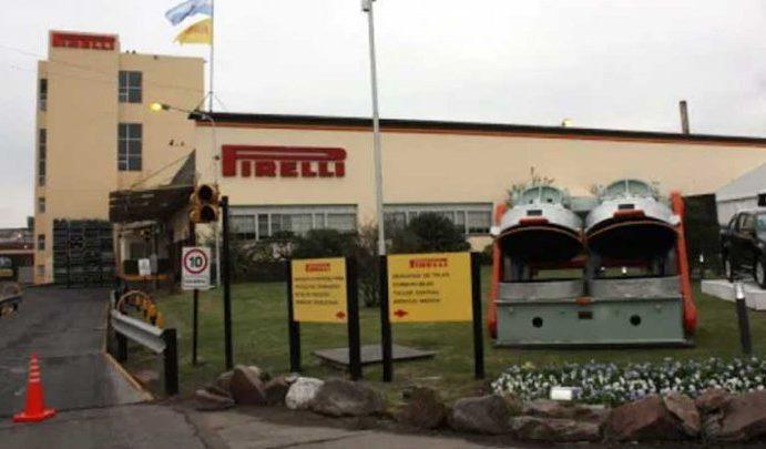 Brutal accidente en la planta Pirelli de Merlo resulta en la muerte de un trabajador; los trabajadores del rubro hacen paros parciales