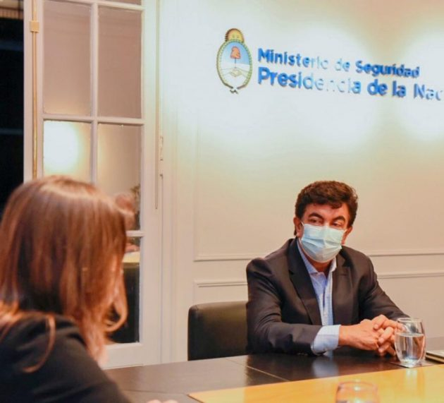 Fernándo Espinoza se reunió con Sabina Frederic y acordaron reforzar la base de Gendarmería de La Matanza
